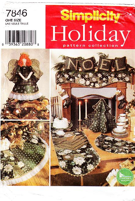 Simplicity 7846 Holiday Stocking, Tree Skirt, Mantel Scarf Sewing Pattern