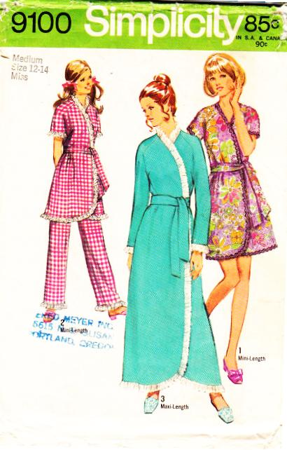 Simplicity 9100 Misses Robe Sewing Pattern