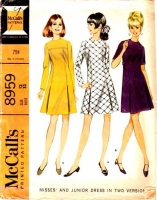 McCalls 8959 1960s Mod Inverted Pleat Dress Sewing Pattern 12 B32 Used